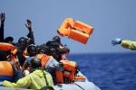 Gommone con 150 migranti alla deriva nel Mediterraneo, recuperato dai libici