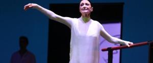 """Carla Fracci, la regina della danza italiana è morta ad 84 anni. Camera ardente alla """"Scala"""""""