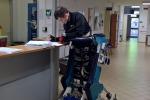 La sedia transformer permette ai disabili di muoversi stando in piedi (fonte: Inail, Scuola Superiore Sant'Anna)