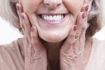 Con meno di dieci denti in bocca, non si riesce a dormire per sette ore a notte