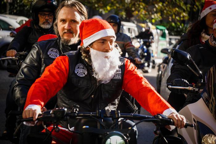 Babbo Natale Assassino.Impazza Il Babbo Natale Biker All Insegna Della Solidarieta