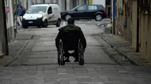 disabili, lavori corso Umberto Soverato, misure disabili, Elena Antoniolli, Catanzaro, Cronaca
