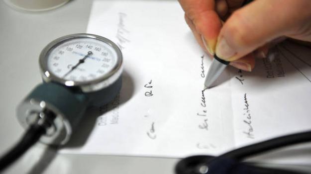 lavoro, medici, rinnovo contratto, Sicilia, Economia
