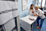 """Vaccini antinfluenza, scorte finite nelle Asl: circa il 5% di anziani rimasti """"scoperti"""""""