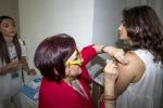 Pediatri si vaccinano in occasione dell'iniziativa 'Io mi vaccino, tu ti vaccini' promossa dalla Societa' italiana di Pediatria