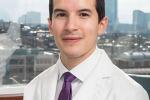 Joel Salinas il medico americano che può sentire davvero il dolore dei pazienti sulla sua pelle