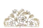 La tiara di Dolce&Gabbana per il ballo dell'Opera Vienna