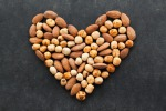 Mandorle e noci riducono il rischio di fibrillazione atriale