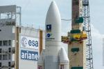 L'Ariane 5 pronto al lancio nella base europea di Kourou, a bordo altri 4 satelliti del sistema di navigazione europeo Galileo (ESA, Arianespace)