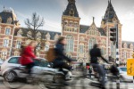 Ciclisti ad Amsterdam foto bradleyhebdon iStock.