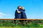 L'amicizia matura lenta, ci vogliono fino a 200 ore insieme