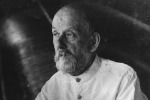 Particolare della foto di Konstantin Tsiolkovsky conservata nel museo russo di Kaluga