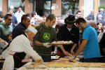 A Carpegna il panino al prosciutto crudo più lungo del mondo