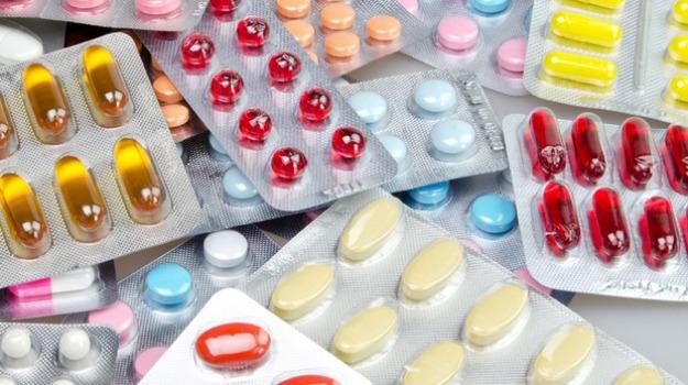 Farmaci: Ue, nuovo piano contro resistenza antibiotici