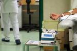 Sbagliano la trasfusione per un'omonimia, donna muore in ospedale a Vimercate