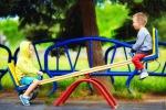 Cosenza, con la plastica riciclata nasce un parco giochi per bambini