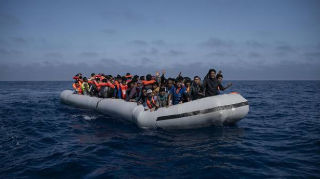 migranti mediterraneo, Matteo Salvini, Sicilia, Mondo