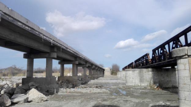 caulonia, lavori ponte allaro, ponte allaro, ricostruzione ponte allaro, Reggio, Calabria, Cronaca
