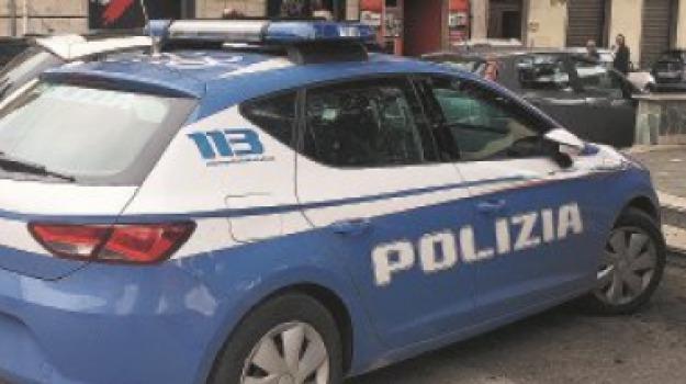 arrestato 49enne, colpi di forbici, reggio calabria, violenza domestica, violenza sulle donne, Filippo Aragona, Reggio, Calabria, Cronaca