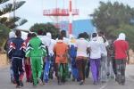 Riace, il Viminale ordina il trasferimento di tutti i migranti: il comune può presentare ricorso