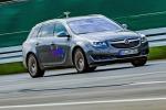 Opel sperimenta guida semi-autonoma su prototipo Insignia