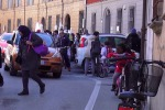 Italiani pigri, casa-scuola si fa in auto, pochi vanno in bici o a piedi