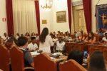 L'aula consiliare diventa laboratorio di integrazione: a Taormina dibattito con i giovani