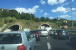 Mezzo in fiamme sulla A2, traffico bloccato tra Cosenza e Rende