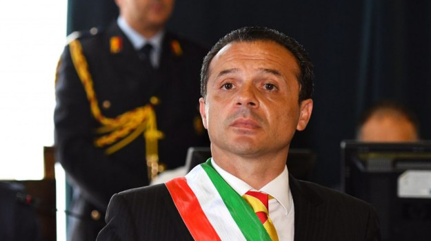 bilancio primi sei mesi, cateno de luca, sindaco di messina, Cateno De Luca, Messina, Sicilia, Politica