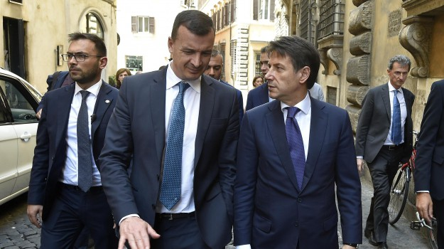 Casalino Mef, m5s, megavendetta casalino, polemica Casalino, Rocco Casalino, Sicilia, Politica