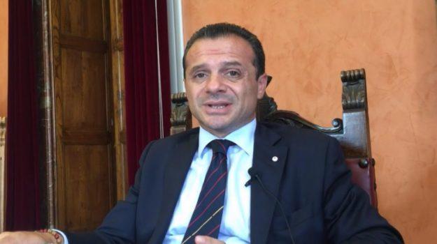 consiglio comunale messina, dimissioni de luca, Cateno De Luca, Messina, Sicilia, Politica