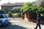 Terrore a Chieti, famiglia rapinata in villa: tagliato il lobo dell'orecchio alla moglie