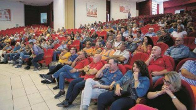 cosenza soldi, stipendi dipendenti provincia cosenza, Franco Iacucci, Cosenza, Calabria, Politica