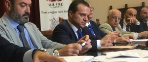 Messina, il sindaco De Luca firma le dimissioni