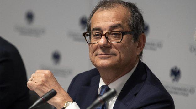 manovra economica, Giovanni Tria, Luigi Di Maio, Sicilia, Politica