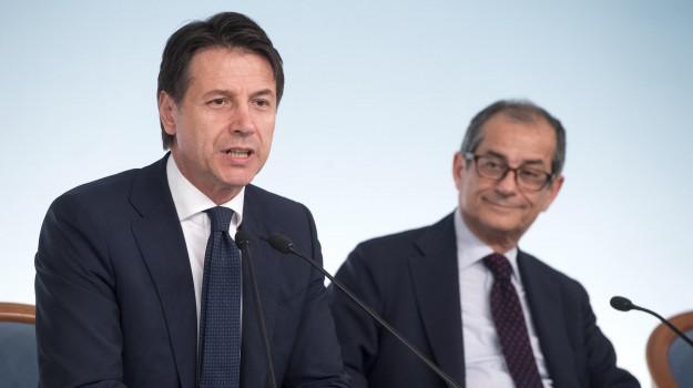def, deficit, dimissioni tria, manovra, manovra tria, Giovanni Tria, Giuseppe Conte, Sicilia, Politica