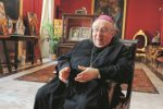L'arcivescovo di Reggio festeggia 50 anni di sacerdozio, gli auguri di Papa Francesco