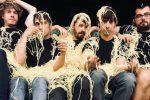 Lo Stato Sociale a Rende: la nostra estate tra show, soundcheck e stazioni di servizio