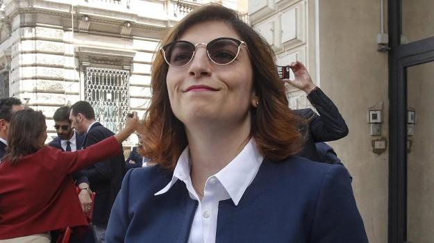 manovra finanziaria, tagli dipendenti pubblici, Laura Castelli, Sicilia, Economia