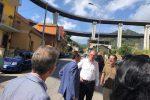 Messina, iniziati gli sgomberi: l'assessore Falcone presente con il sindaco De Luca