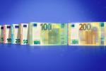 Lotta ai falsari, la Bce presenta le nuove banconote da 100 e 200 euro