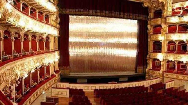 reggio calabria cultura, teatro francesco cilea, Reggio, Calabria, Politica
