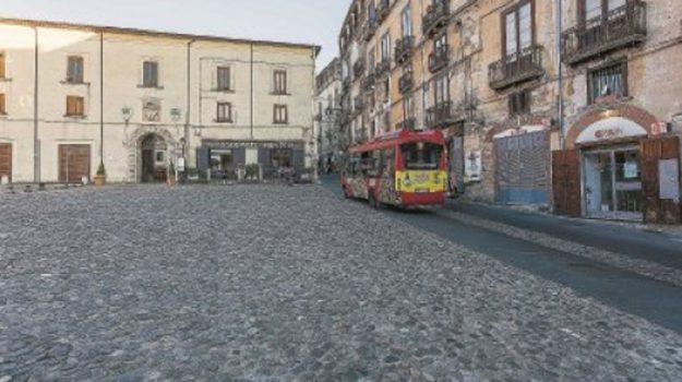 palazzo dei bruzi, telesio, traffico, Gisberto Spadafora, Cosenza, Calabria, Cronaca