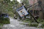"""Il tifone Mangkhut piega le Filippine, almeno 64 morti. E adesso """"punta"""" la Cina"""