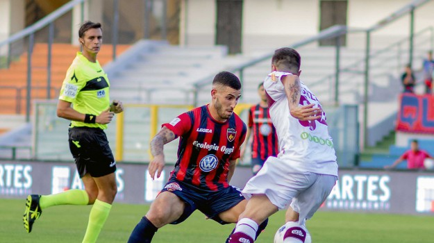Cosenza crotone calcio, Cristiano Pavone, Cosenza, Calabria, Sport