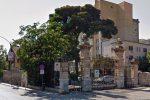 "Donna muore in ospedale a Palermo, i parenti: ""È rimasta 15 minuti in ascensore"""