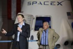Musk stacca il 'primo biglietto' per turista intorno alla Luna