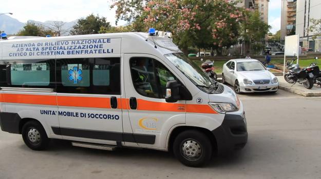 alcool, picchia la figlia, santa teresa di riva, Messina, Sicilia, Cronaca