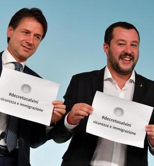 Il presidente del Consiglio, Guseppe Conte, e il il vice premier e ministro dell'Interno, Matteo Salvini