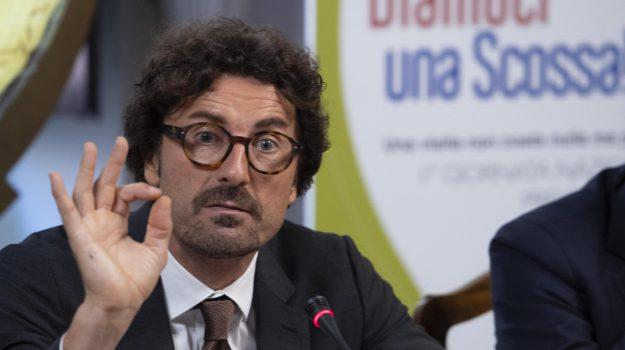 collegamenti stretto di messina, collegamenti veloci stretto di messina, stretto di messina, Sicilia, Politica